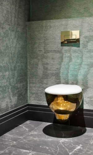 Wc 300x500 1 | Sanitarios De Oro: Diseño Y Lujo Para El Baño